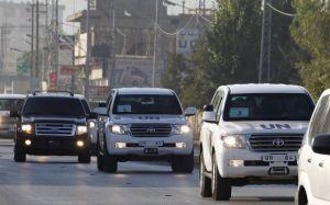 El convoy de la ONU, en la ciudad libanesa de Taanayel tras salir de Siria. AFP.